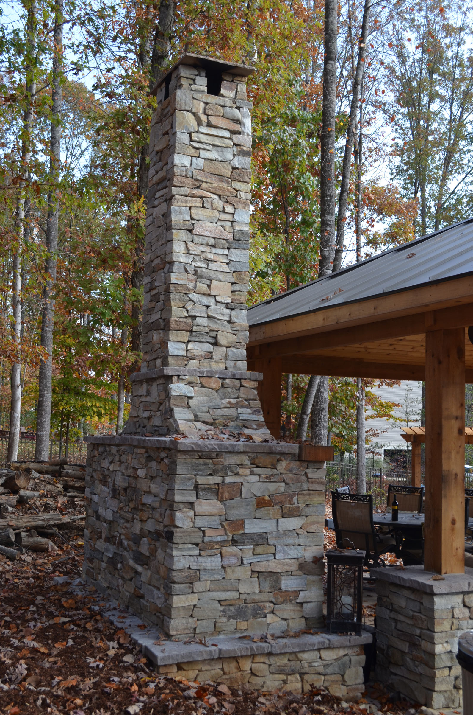 rock_chimney_fireplace_back