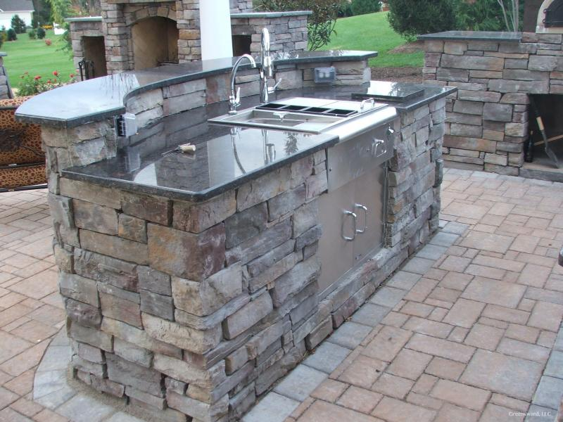 Outdoor Kitchen Granite Counters