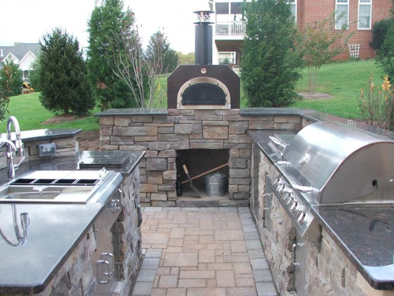 Outdoor Kitchen- Pizza Oven