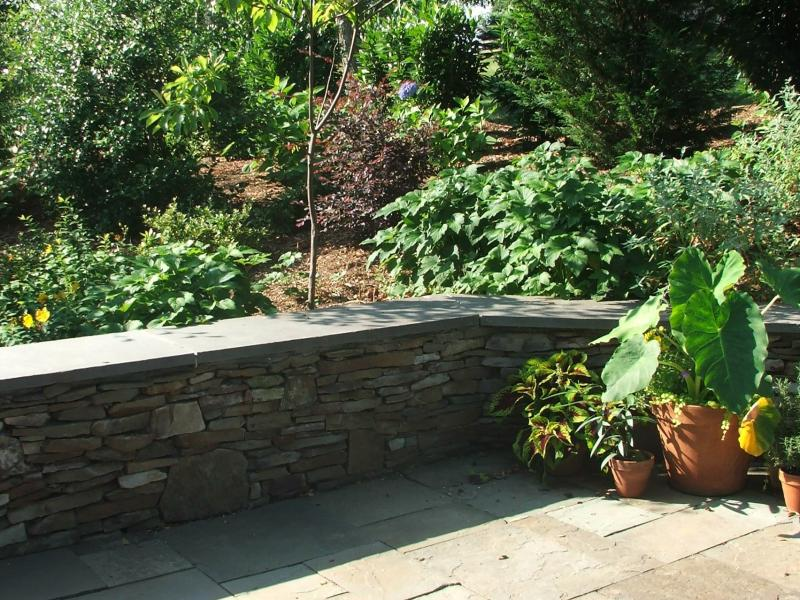 Dry Stack Natural Stone Wall in Warrenton